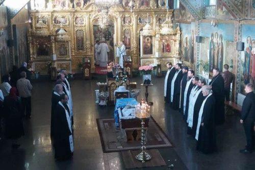 У Рівненській єпархії моляться за упокій новоспочилого митрополита Варфоломія (+розклад заупокійних богослужінь)