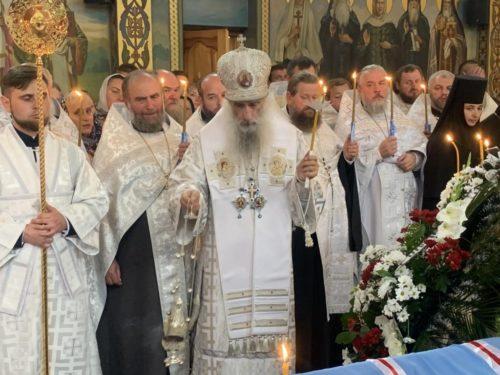 Митрополит Сергій очолив чин відспівування новоспочилого митрополита Рівненського і Острозького Варфоломія (+відео)