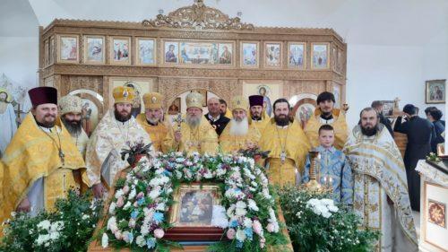 На Буковині освятили храм, побудований замість захопленого, на Хмельниччині звершили освячення церкви після оновлення (оновлено)