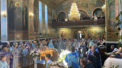 Предстоятель звершив святкове богослужіння у Кулівецькому монастирі Чернівецької єпархії